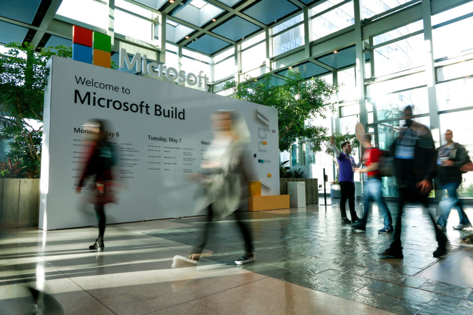 "Microsoft Build 2019: un recorrido virtual <span class=""bsf-rt-reading-time""><span class=""bsf-rt-display-label"" prefix=""Reading Time""></span> <span class=""bsf-rt-display-time"" reading_time=""7""></span> <span class=""bsf-rt-display-postfix"" postfix=""mins""></span></span>"